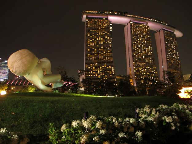 now these were what made me decide to see gardens by the bay ive seen them in magazines and on the web and thought they looked so beautiful especially at - Garden By The Bay At Night