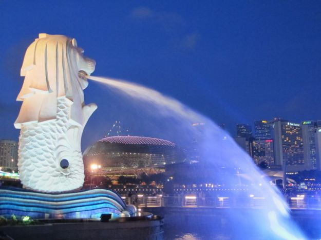 A Trivia Did You Know That Theres Merlion Cub Located Just Near This Iconic Statue
