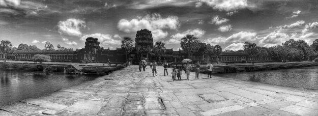 Angkot Wat b&w 05