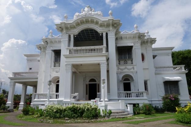 Iloilo - Lopez Heritage House