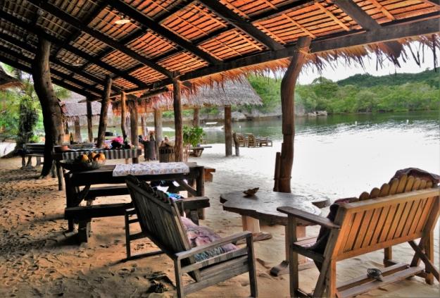 Dining at Isla Naburot (4)